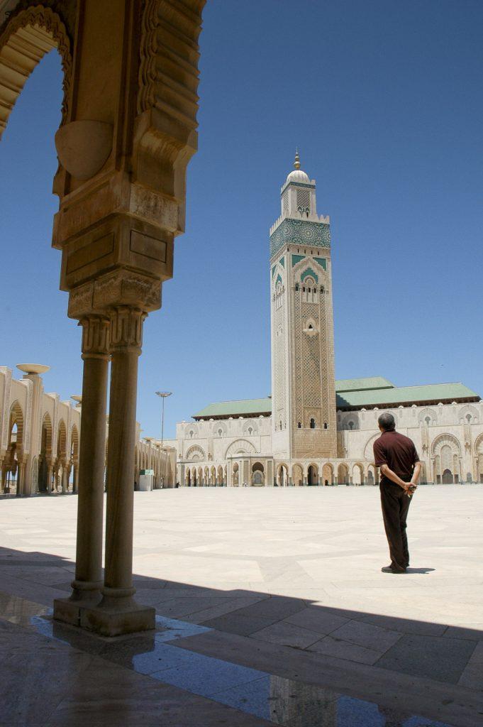 Meczet w Casablance zbudowano w 1993 roku, a jego minaret - mający 210 m wysokości -jest najwyższy na świecie. Casablanca, Maroko.